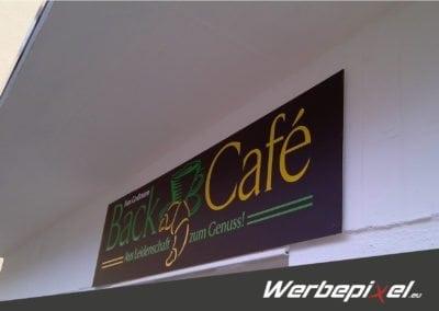 Schilderanlage Back Café